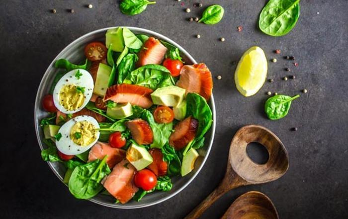 Honey Smoked Salmon and Spinach Salad